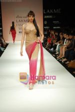 Model walks the ramp for Arpan Vohra Show at Lakme Winter fashion week day 3 on 19th Sept 2010 (79).JPG