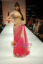 Model walks the ramp for Arpan Vohra Show at Lakme Winter fashion week day 3 on 19th Sept 2010 (82).JPG
