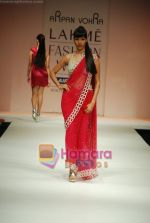 Model walks the ramp for Arpan Vohra Show at Lakme Winter fashion week day 3 on 19th Sept 2010 (94).JPG