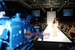 Model walks the ramp for Debarun Show at Lakme Winter fashion week day 3 on 19th Sept 2010 (24).JPG
