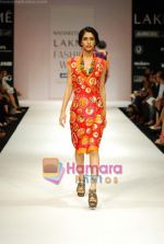 Model walks the ramp for Nachiket Barve Show at Lakme Winter fashion week day 3 on 19th Sept 2010 (15).JPG
