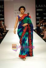 Model walks the ramp for Nachiket Barve Show at Lakme Winter fashion week day 3 on 19th Sept 2010 (25).JPG