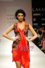 Model walks the ramp for Nachiket Barve Show at Lakme Winter fashion week day 3 on 19th Sept 2010 (3).JPG
