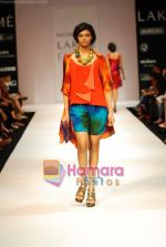Model walks the ramp for Nachiket Barve Show at Lakme Winter fashion week day 3 on 19th Sept 2010 (39).JPG