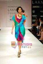 Model walks the ramp for Nachiket Barve Show at Lakme Winter fashion week day 3 on 19th Sept 2010 (4).JPG
