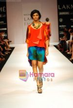 Model walks the ramp for Nachiket Barve Show at Lakme Winter fashion week day 3 on 19th Sept 2010 (40).JPG