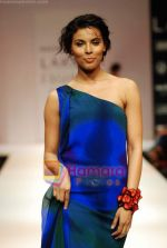 Model walks the ramp for Nachiket Barve Show at Lakme Winter fashion week day 3 on 19th Sept 2010 (54).JPG