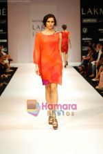 Model walks the ramp for Nachiket Barve Show at Lakme Winter fashion week day 3 on 19th Sept 2010 (56).JPG