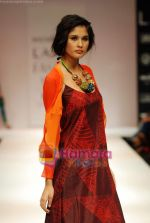 Model walks the ramp for Nachiket Barve Show at Lakme Winter fashion week day 3 on 19th Sept 2010 (61).JPG