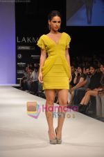 Model walks the ramp for Rajat Tangri Show at Lakme Winter fashion week day 3 on 19th Sept 2010 (23).JPG