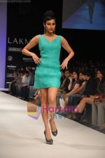 Model walks the ramp for Rajat Tangri Show at Lakme Winter fashion week day 3 on 19th Sept 2010 (36).JPG