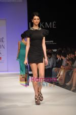 Model walks the ramp for Rajat Tangri Show at Lakme Winter fashion week day 3 on 19th Sept 2010 (41).JPG