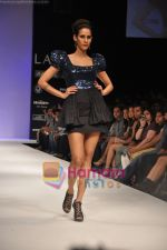 Model walks the ramp for Rajat Tangri Show at Lakme Winter fashion week day 3 on 19th Sept 2010 (43).JPG