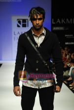 Model walks the ramp for Sanjay Hingu Show at Lakme Winter fashion week day 3 on 19th Sept 2010 (40).JPG