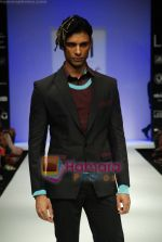 Model walks the ramp for Sanjay Hingu Show at Lakme Winter fashion week day 3 on 19th Sept 2010 (43).JPG