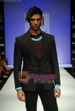 Model walks the ramp for Sanjay Hingu Show at Lakme Winter fashion week day 3 on 19th Sept 2010 (44).JPG