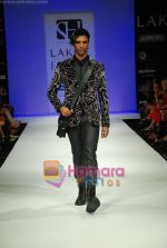 Model walks the ramp for Sanjay Hingu Show at Lakme Winter fashion week day 3 on 19th Sept 2010 (60).JPG