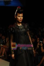 Model walks the ramp for V J Balhara Show at Lakme Winter fashion week day 3 on 19th Sept 2010 (25).JPG