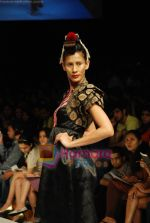 Model walks the ramp for V J Balhara Show at Lakme Winter fashion week day 3 on 19th Sept 2010 (34).JPG