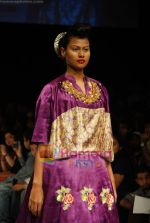 Model walks the ramp for V J Balhara Show at Lakme Winter fashion week day 3 on 19th Sept 2010 (55).JPG