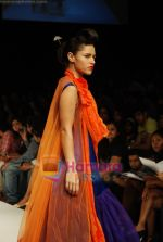 Model walks the ramp for V J Balhara Show at Lakme Winter fashion week day 3 on 19th Sept 2010 (65).JPG