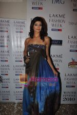 Pooja Batra at Lakme Winter fashion week 2010 day 3 on 19th Sept 2010 (2).JPG