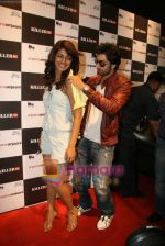Ranbir Kapoor, Priyanka Chopra promote Anjaani Anjaani in Killer Store on 19th Sept 2010 (20).JPG