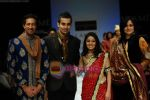 Sunidhi Chauhan, Sulaiman Merchant walks the ramp for Shyamal Bhumika Show at Lakme Winter fashion week day 4 on 20th Sept 2010 (2).JPG