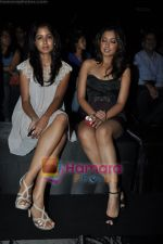 Tanushree Dutta at Rajat Tangri Show at Lakme Winter fashion week day 3 on 19th Sept 2010 (10).JPG