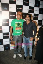 at Narendra Kumar Show in Vie Lounge at Lakme Winter fashion week day 3 on 19th Sept 2010 (36).JPG