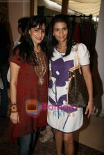 Mana Shetty at Araish - Save The Child exhibition in Blue Sea on 21st Sept 2010 (9).JPG