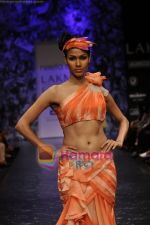 Model walks the ramp for Neeta Lulla Show at Lakme Winter fashion week day 5 on 21st Sept 2010 (16).JPG