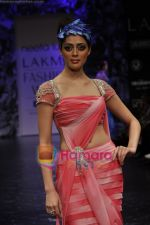 Model walks the ramp for Neeta Lulla Show at Lakme Winter fashion week day 5 on 21st Sept 2010 (25).JPG