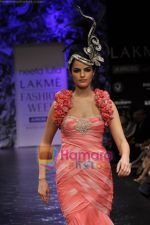 Model walks the ramp for Neeta Lulla Show at Lakme Winter fashion week day 5 on 21st Sept 2010 (27).JPG