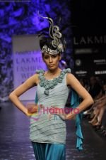 Model walks the ramp for Neeta Lulla Show at Lakme Winter fashion week day 5 on 21st Sept 2010 (37).JPG