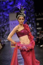 Model walks the ramp for Neeta Lulla Show at Lakme Winter fashion week day 5 on 21st Sept 2010 (51).JPG