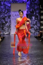 Model walks the ramp for Neeta Lulla Show at Lakme Winter fashion week day 5 on 21st Sept 2010 (53).JPG