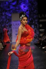 Model walks the ramp for Neeta Lulla Show at Lakme Winter fashion week day 5 on 21st Sept 2010 (55).JPG