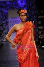 Model walks the ramp for Neeta Lulla Show at Lakme Winter fashion week day 5 on 21st Sept 2010 (57).JPG