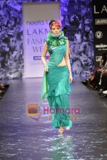 Model walks the ramp for Neeta Lulla Show at Lakme Winter fashion week day 5 on 21st Sept 2010 (61).JPG