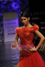 Model walks the ramp for Neeta Lulla Show at Lakme Winter fashion week day 5 on 21st Sept 2010 (67).JPG