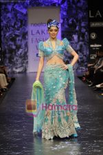 Model walks the ramp for Neeta Lulla Show at Lakme Winter fashion week day 5 on 21st Sept 2010 (82).JPG