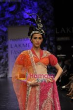 Model walks the ramp for Neeta Lulla Show at Lakme Winter fashion week day 5 on 21st Sept 2010 (85).JPG