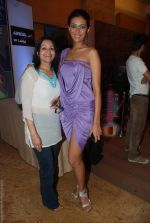 at Lakme Winter fashion week 2010 day 5 on 21st Sept 2010 (187).JPG