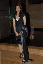 at Lakme Winter fashion week 2010 day 5 on 21st Sept 2010 (232).JPG