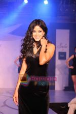Nandana Sen at Raa by Solus jewellery show at ITC Grand Central on 23rd Sept 2010 (11).JPG