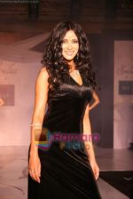 Nandana Sen at Raa by Solus jewellery show at ITC Grand Central on 23rd Sept 2010 (6).JPG