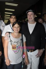 John Trivolta arrives in Mumbai in International Airport, Mumbai on 25th Sept 2010 (15).JPG