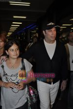 John Trivolta arrives in Mumbai in International Airport, Mumbai on 25th Sept 2010 (9).JPG