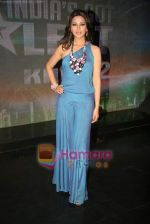 Sonali Bendre on the sets of India_s Got Talent to annouce finalists in Film City on 25th Sept 2010 (3).JPG